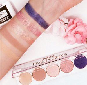 4 Holiday Eyeshadow Gift Bundles 2